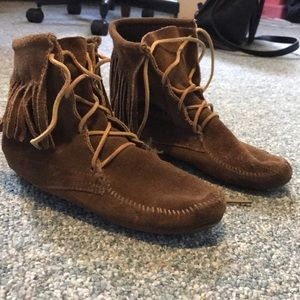 Minnetonka lace up boots